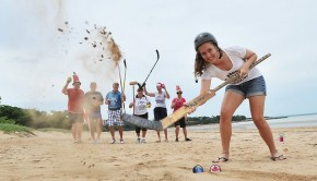 hockey_on_beach
